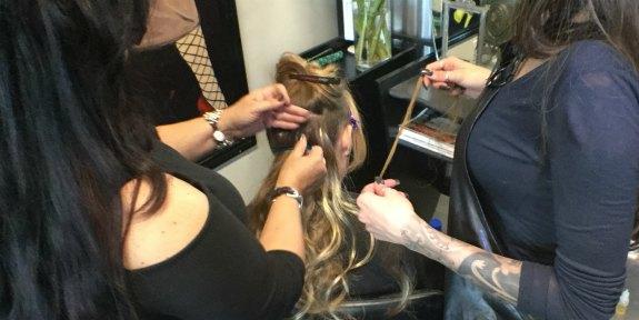 closeup hair extensions training